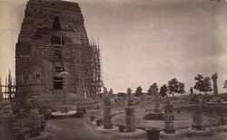 Front view of the Teli-ka-Mandir during restoration, Gwalior